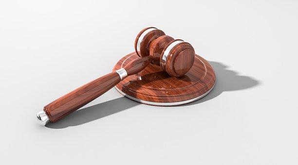 E' priva di capacita' processuale la societa' cancellata dal registro delle imprese prima della notifica dell'avviso di accertamento e dell'instaurazione del giudizio tributario