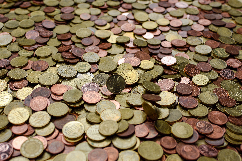La Commissione definisce le misure concrete necessarie per il completamento dell'Unione bancaria